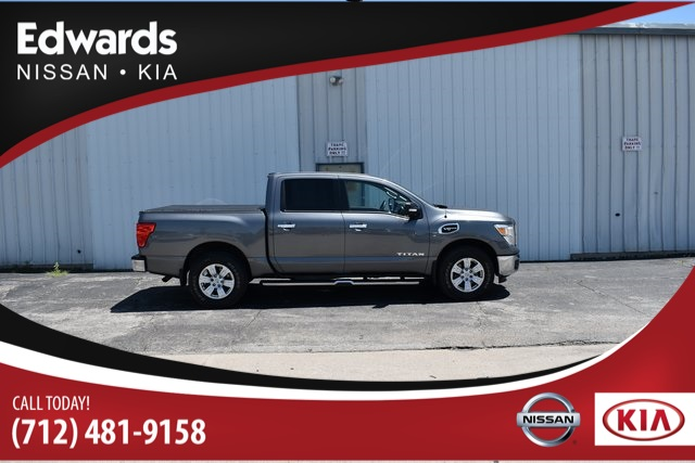 Certified Pre-Owned 2017 Nissan Titan SV 4WD 4D Crew Cab